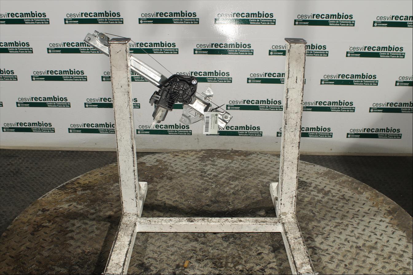 Elevalunas eléctrico puerta Del. Izq.